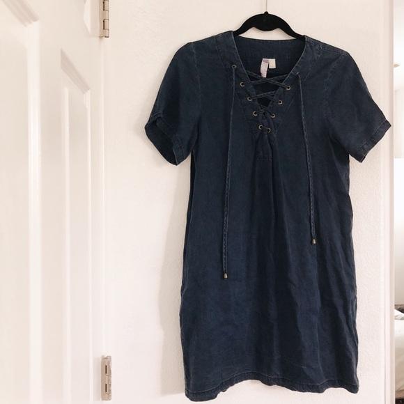 Francesca's Collections Dresses & Skirts - Francescas Denim Dress